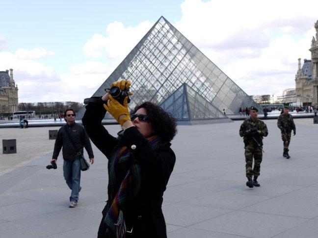 Cole_headshot_Paris_Louvre_2010